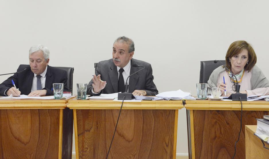 Doctores Luis Lugones, Cristian Vittar y Gloria Cárdenas a cargo de la investigación final.
