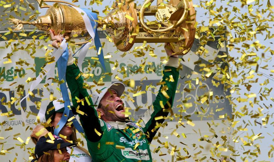 Agustín Canapino levantó su tercer trofeo consecutivo a los 29 años.