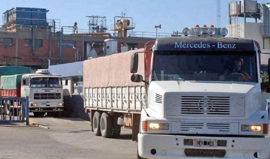 Los transportistas indican que pidieron la emergencia del sector para preservar los empleos.