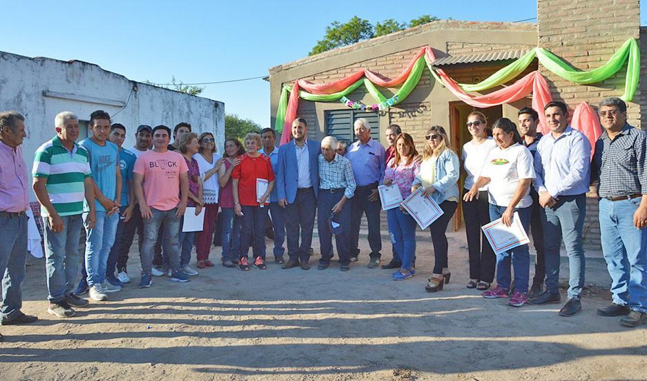 FELICITACIONES. Niccolai rescató que las viviendas fueron fruto de un trabajo articulado entre Estado y ONG.